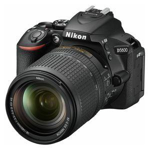 Nikon DSLR D5600 + AF-S 18-140 VR