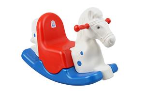 Pilsan ljuljačka veseli konj