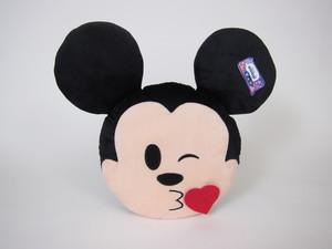 Mickey emoji poljubac